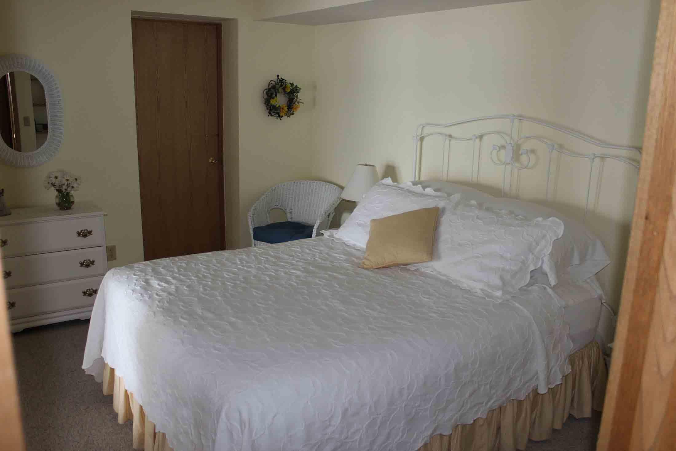Sunrise Landing B&B Sunflower Apartment Suite